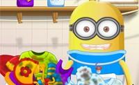 Minion Washing Clothes